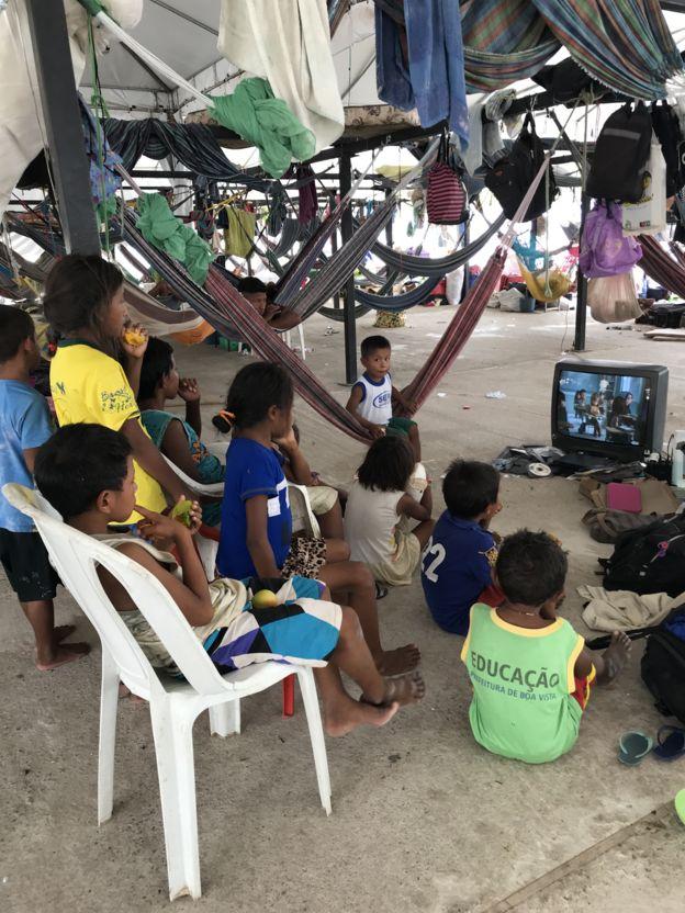 Crianças de Waraos no abrigo de Pintolândia, em Boa Vista