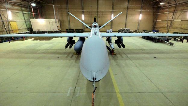 Drone modelo reaper armado com mísseis Hellfire na base aérea Kandahar, no Afeganistão