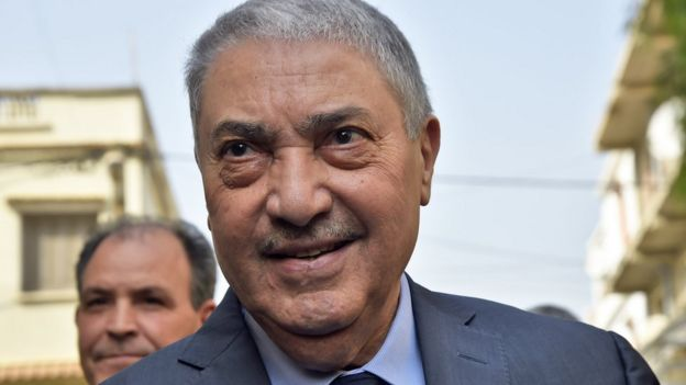 ترشح علي بن فليس للرئاسة مرتين في مواجهة بوتفليقة