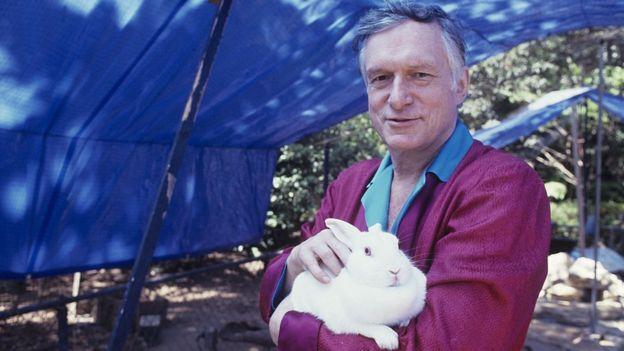 Fundador com um coelho