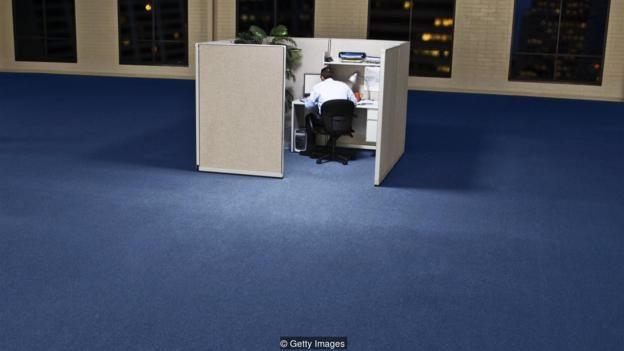Nhiều khi ta cảm thấy bị tách biệt về chuyên môn khi làm việc tại nhà