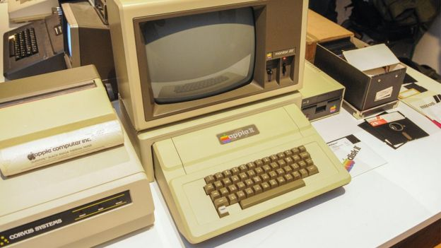 An Apple II computer