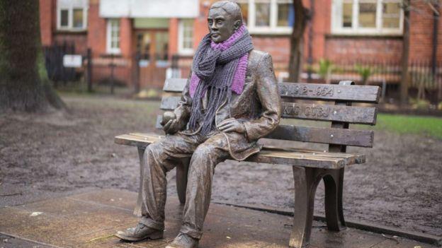 Estátua de Alan Turing