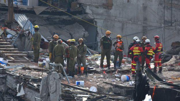 Operativos de rescate en colonia Roma, en la Ciudad de México