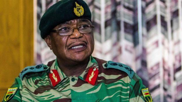 津巴布韦国防军总司令康斯坦丁·奇韦亚警告军方可能进行军事干预。