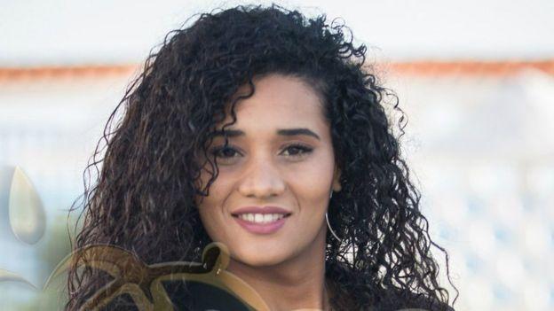 خديجة بن حمو تنحدر من جنوب الجزائر وتقول إنها فخورة بهويتها
