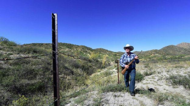 Cerca na fronteira entre Estados Unidos e México.
