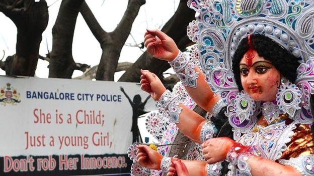 L'oncle de la jeune fille a été arrêté et l'affaire a suscité un grand débat en Inde
