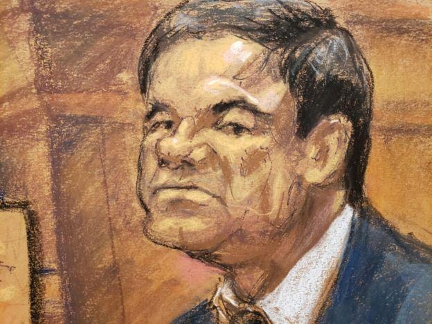"""Dibujo de una audiencia durante el juicio contra """"El Chapo"""" Guzmán."""