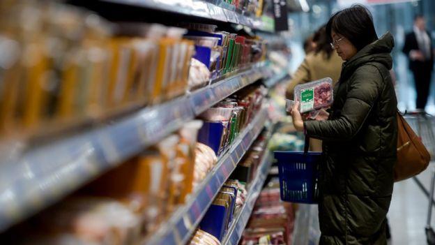 Shopper in Aldi