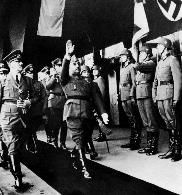 El encuentro de Hitler y Franco en Hendaya, Francia.