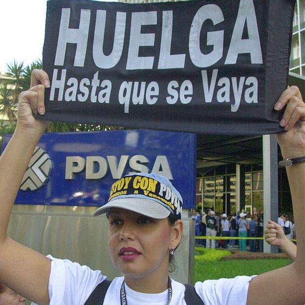 En 2002, miles de trabajadores de Pdvsa se enfrentaron a Chávez y terminaron despedidos.