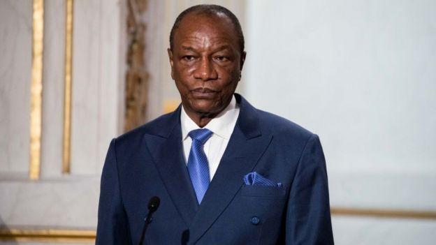 Pour entrer en vigueur, le nouveau code civil doit être promulgué par Alpha Condé, le président de la Guinée, qui s'est opposé à une modification de la loi favorable à la polygamie, en décembre 2018.