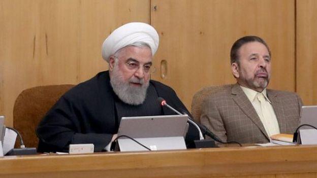 حسن روحانی رئیس جمهور و محمود واعظی رئیس دفترش در جلسه امروز هیات دولت ایران