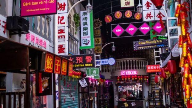 Các nhà hàng ở Hà Nội đang đóng cửa