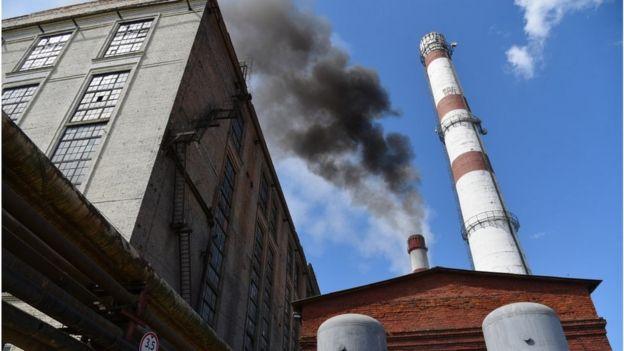 """Вугілля забруднює повітря, газ чистіший, але коштує дорожче. """"Зелена"""" енергія - чудова, але може бути задорогою навіть для багатих країн"""