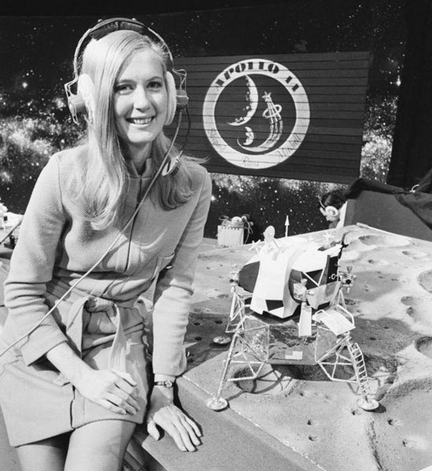 Frances Northcutt en un estudio de TV británico en 1971
