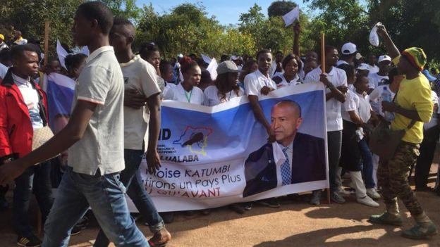 Les supporters de Moise Katumbi, le politicien congolais de l'opposition en exil depuis 2016, étaient massés le long des avenues de Lubumbashi, en RD Congo.