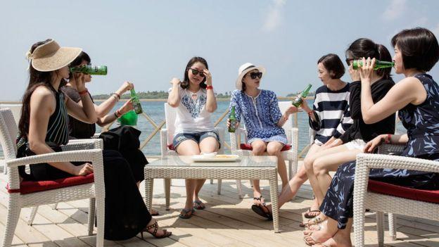 中国女性游客在马尔代夫