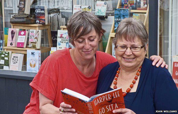 Helen Stanton (left), owner of Forum Books in Corbridge, Northumberland, with speed-reader Anne Jones (right)