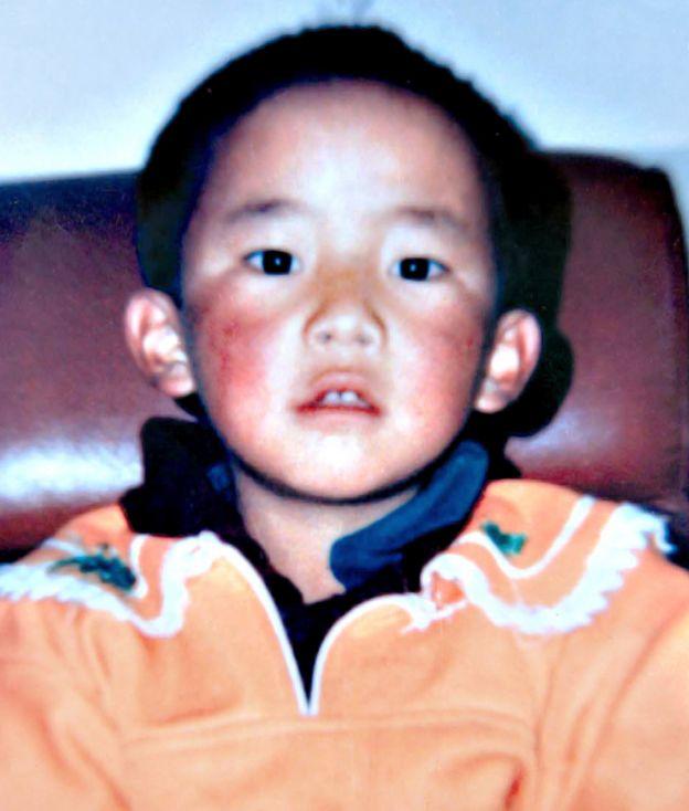 根敦确吉尼玛(Gedhun Choekyi Nyima)小时候的照片。