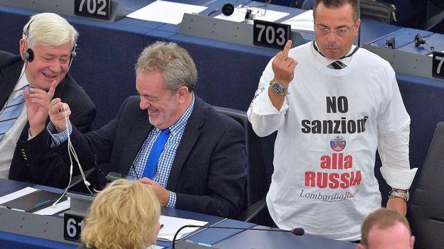 """""""Нет санкциям против России"""" - в Европарламенте есть и те, кто поддерживает Кремль"""