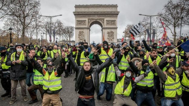 Fransa'daki Sarı Yelekliler protestoları