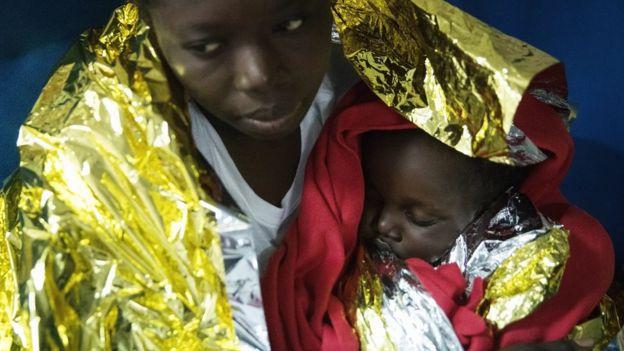 Sığınmacı anne ve çocuk