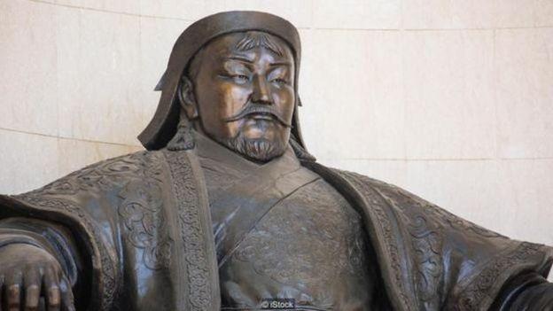 蒙古勇士成吉思汗娶了非常多的妻子,以至于每200个男人中就有一个可能与他有血缘关系。