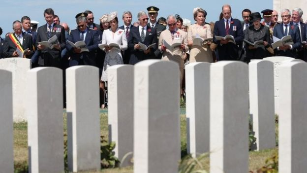 Zonnebeke Mayor Dirk Sioen, Commonwealth War Graves Commission vice chairman Timothy Laurence, Belgium Minister of Defence and Public Service Steven Vandeput, the Duchess of Cambridge, King Philippe of Belgium, Prince Charles, Queen Mathilde of Belgium, the Duke of Cambridge, Prime Minister Theresa May and Flemish Minister-President Geert Bourgeois
