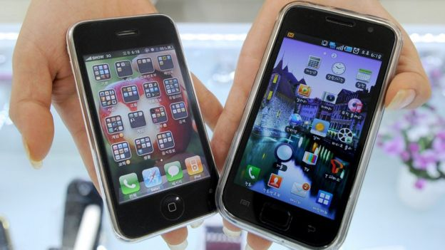 iPhone (left) and Samsung Galaxy (right)