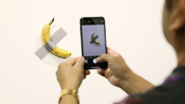 Plátano de Maurizio Cattelan