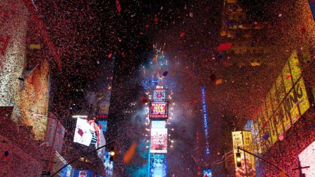 Di ball dey drop as di new year dey start