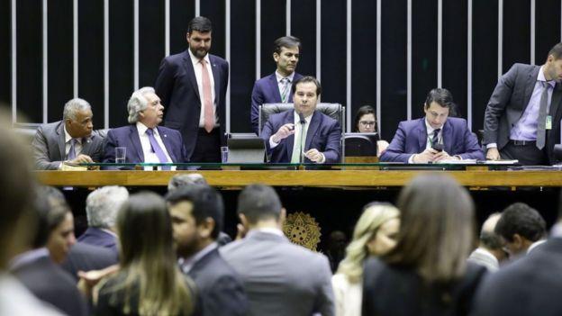 Deputados no plenário da Câmara