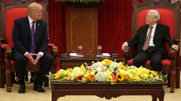 Tổng Bí thư Nguyễn Phú Trọng tiếp Tổng thống Mỹ Donald Trump ở Hà Nội tháng 11/2017