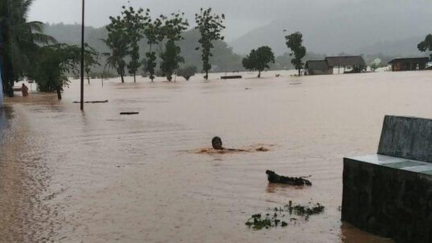 Banjir akibat siklon Cempaka
