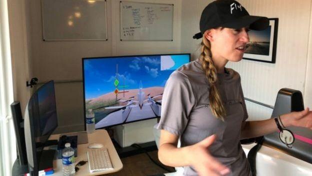 یک شبیهساز نحوه کنترل ماشین پرنده را به رانندگان تازه کار یاد میدهد