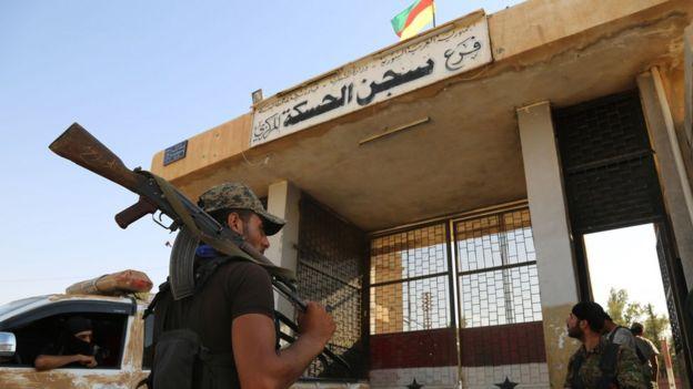 Haseke'deki YPG'liler