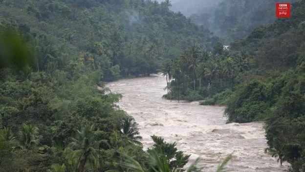 67 பேர் பலியான கேரள வெள்ளம்: அனைத்து மாவட்டங்களிலும் நிவாரண முகாம்கள்