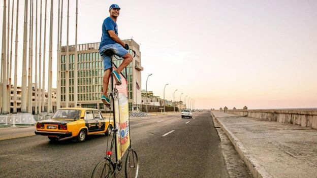 Guirola Cepero en las calles de La Habana