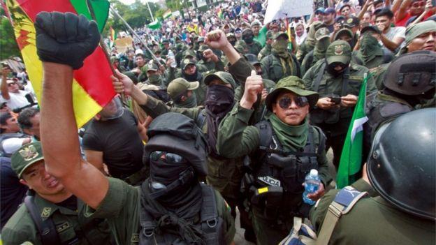 Tras el inicio del motín policial había expectativas por conocer la reacción de las Fuerzas Armadas.