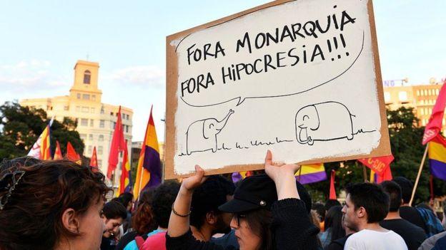 демонстрация в Испании против бывшего короля