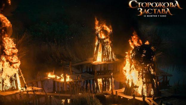 Село на воді було побудоване і спалене дотла під час зйомок