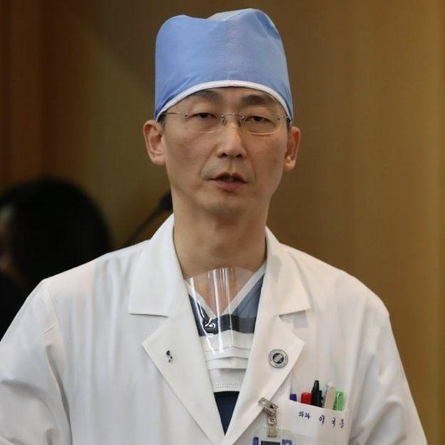 dokter bedah