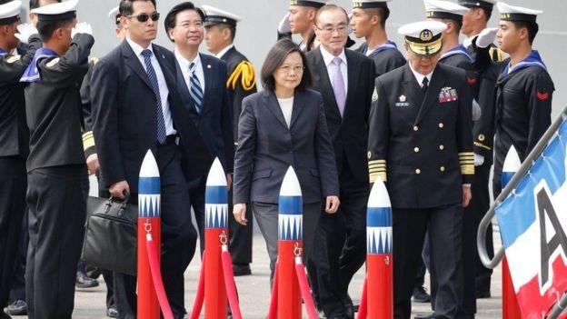 3月21日台灣總統蔡英文視察高雄左營海軍基地