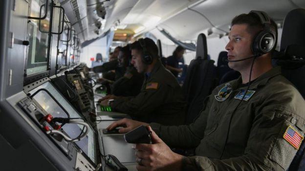 داخل یک هواپیمای شناسایی آمریکا (سی ۱۳۰)