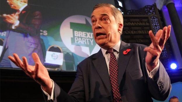 نایجل فراژ رهبر حزب 'برگزیت' بریتانیا