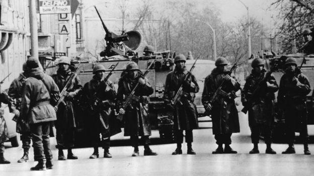 12 Eylül 1980 darbesi ardındansa Mili Güvenlik Konseyi 1961 Anayasası'nı tamamen yürürlükten kaldırdı.