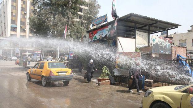 В Дамаске дезинфицируют улицы