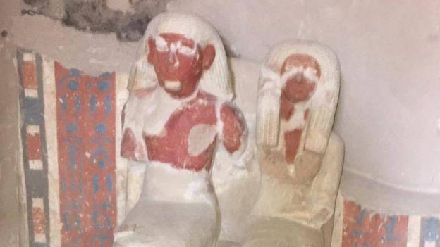 أمنمحات وزوجته الأثيرة أمين-حتب وابنه المدلل نب نفر